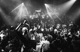 ade-amsterdams-most-legendary-clubs-1422362331657